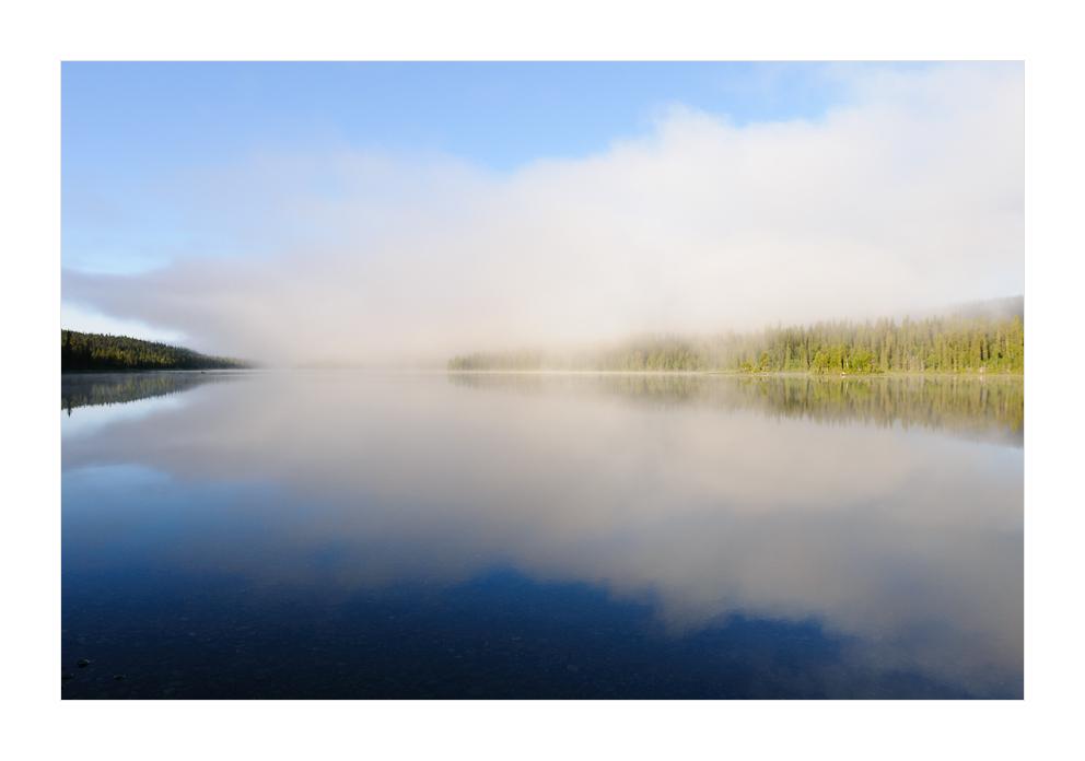 Es schleicht die Wolke übern See.