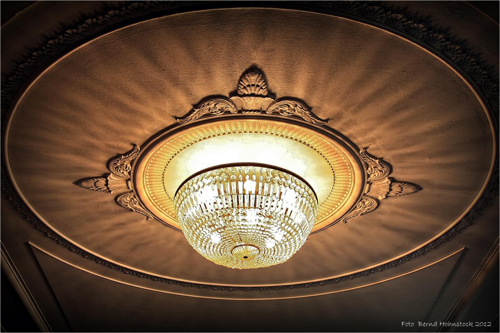 es werde Licht in der Villa Marx ...