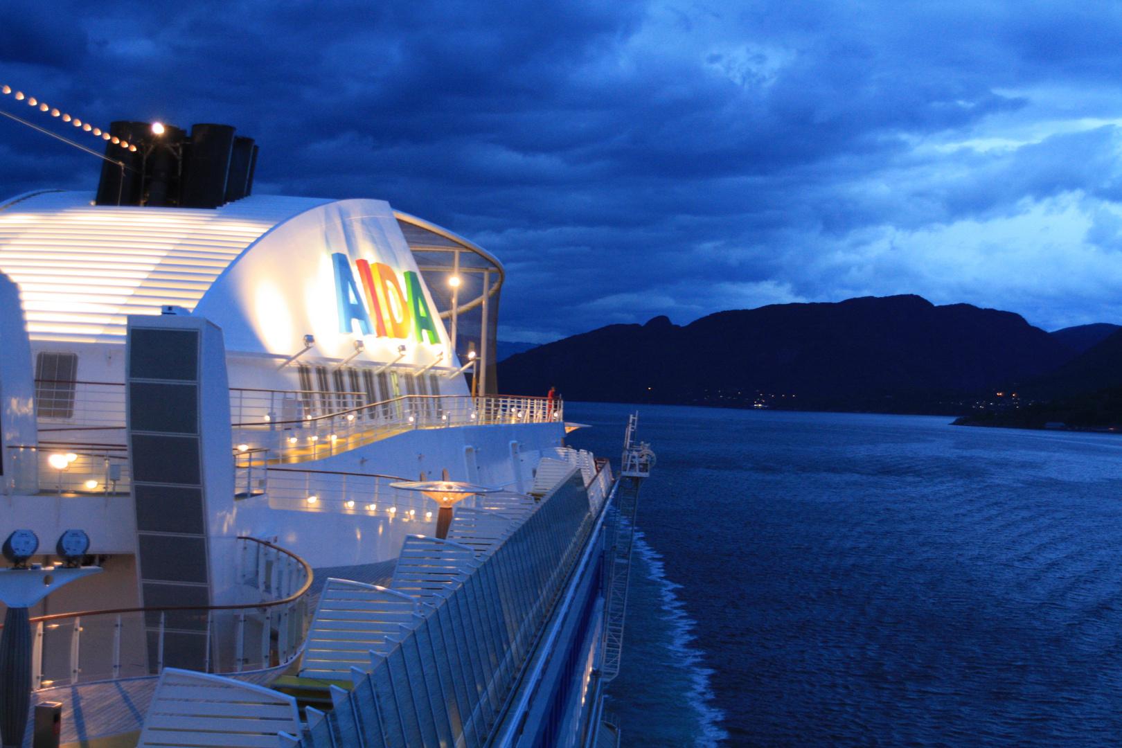 Es wird Dunkel im Fjord