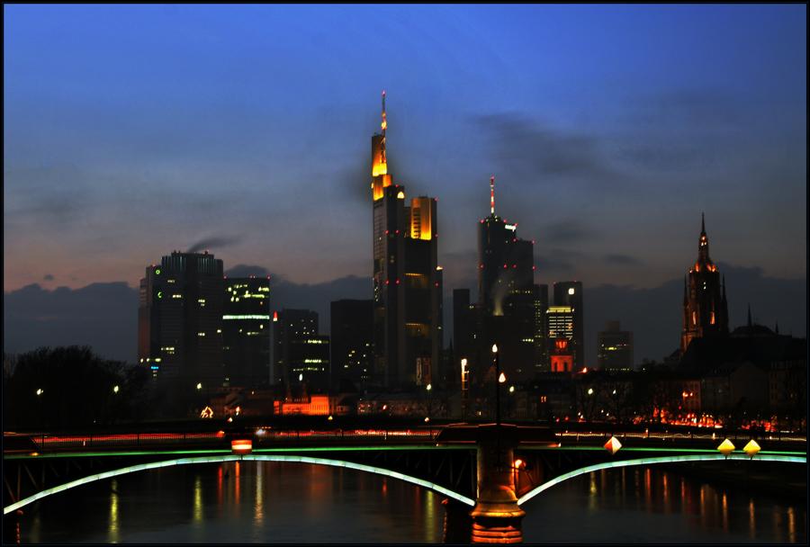 Es wird Nacht in Frankfurt