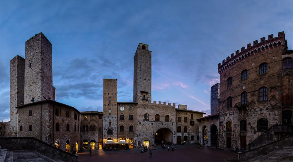 ... es wird Nacht in San Gimignano ....