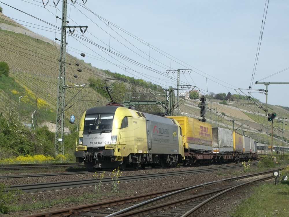 ES64 U2 011 in Würzburg Zell
