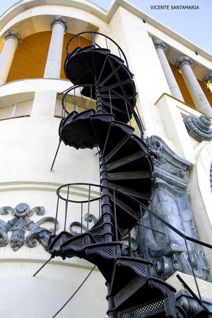 ESCALERA DE CARACOL (CIRCULO BELLAS ARTES)