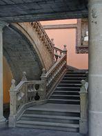 Escalera del Museo de San Carlos en México