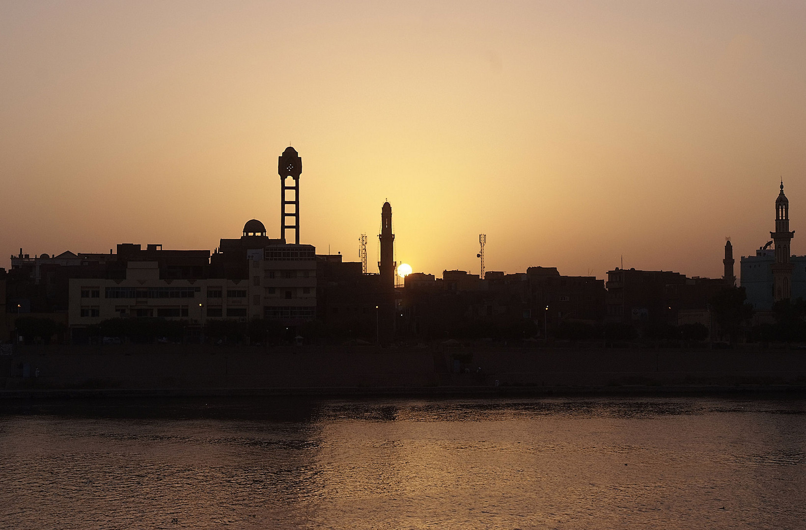 Esna im Sonnenuntergang