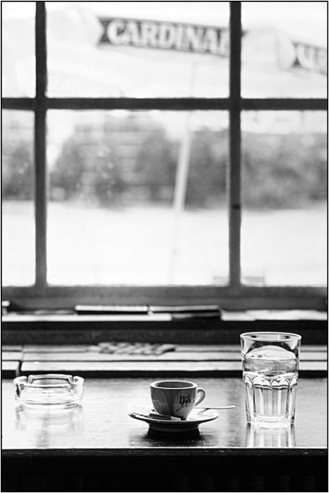 Espresso und Wasser