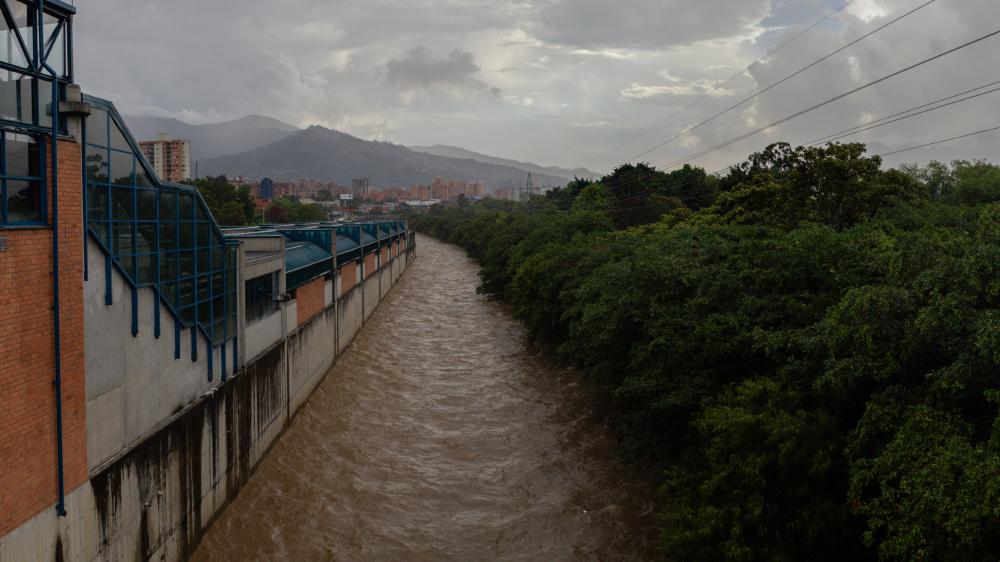 Estación Aguacatala - Rio Medellin