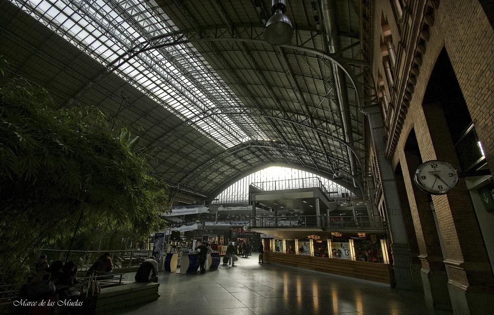 ...Estación de Atocha 2 en color...