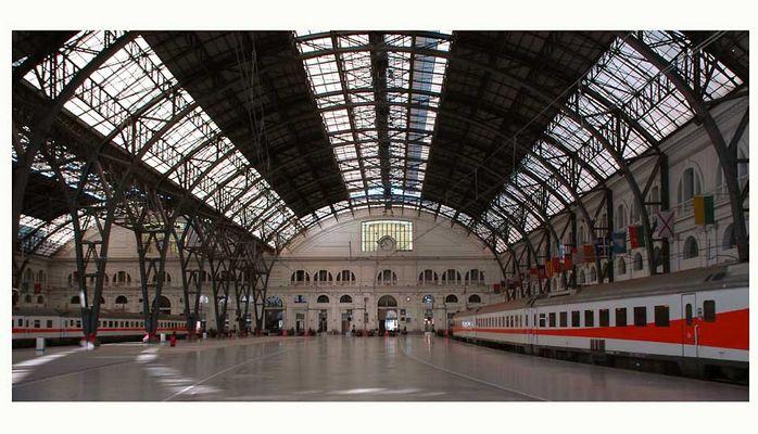 Estacion de Francia - Bahnhofshalle