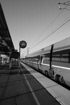 """"""" Et j'entend siflé le train et j'entend siflé le train , toute ma vie """""""