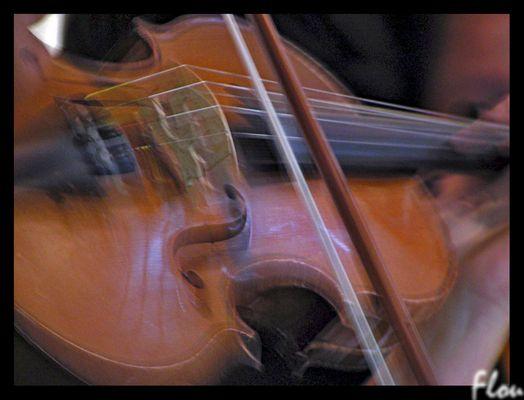 et tourne les violons...