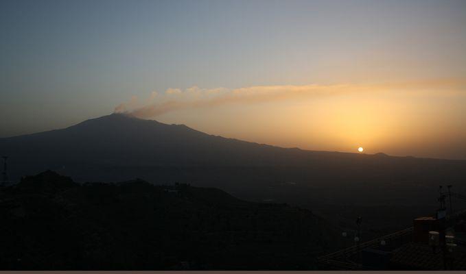 Etna: la salida del sol