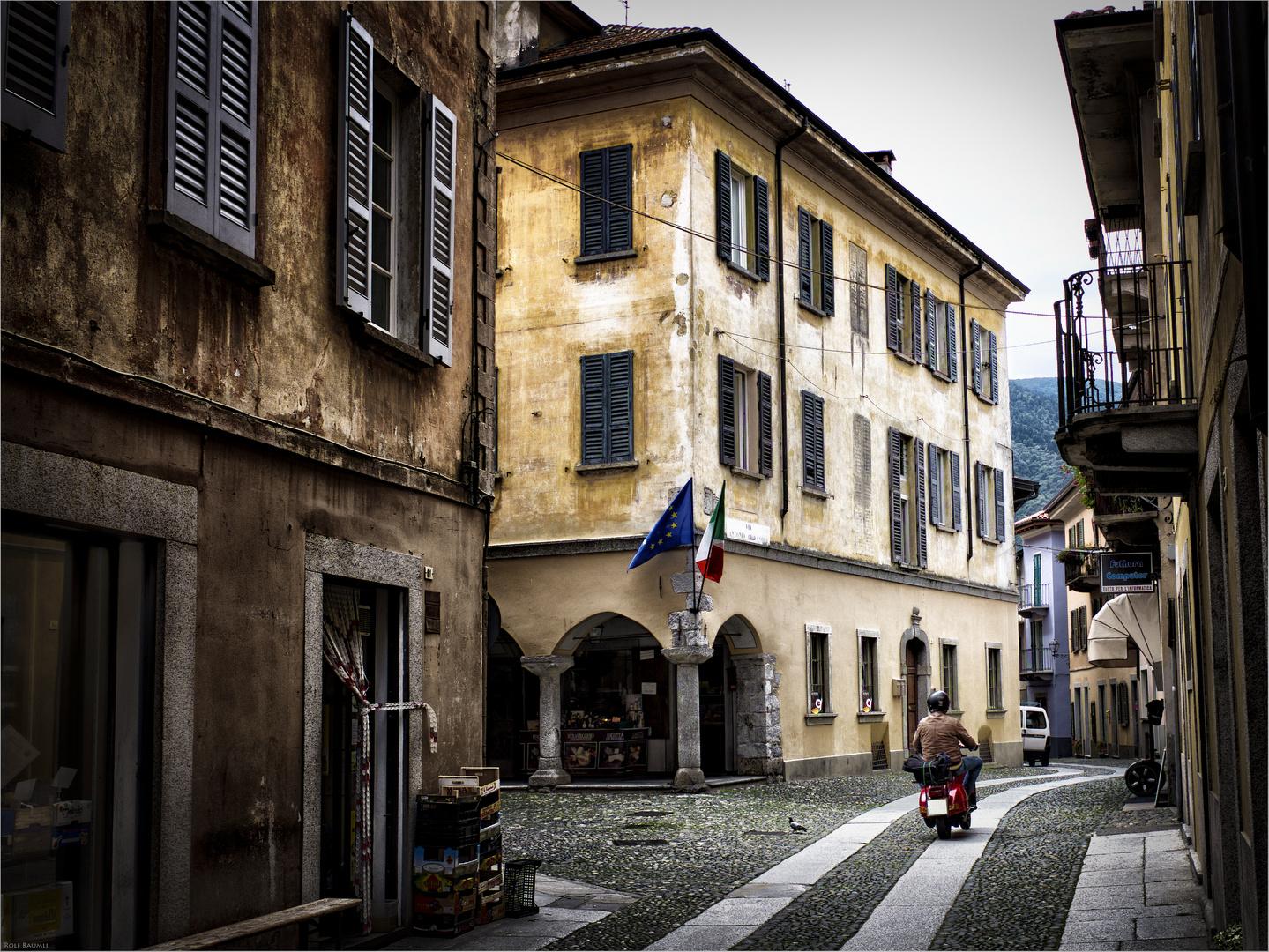 EU - Italy - Vespa