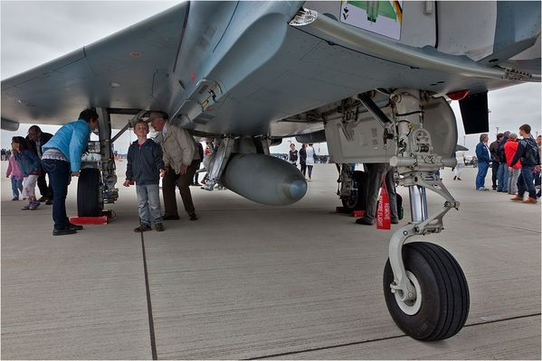 EUROFIGHTER - TOYS FOR BOTH, LITTLE AND BIG CHILDREN?!