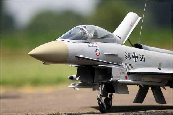 Eurofighter wieder auf den Boden