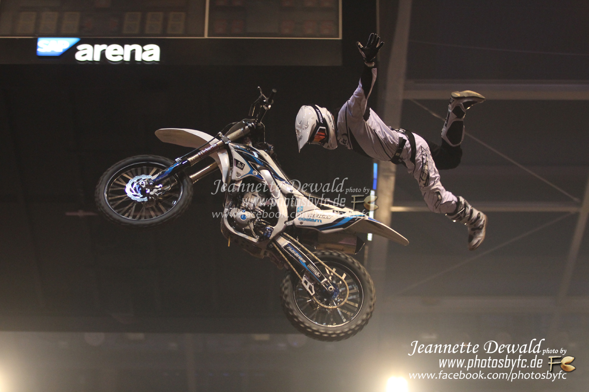 European FMX Champ: - Rémi Bizouard - Night of the Jumps SAP Arena Mannheim 2014