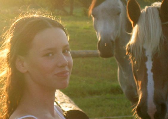 Eva mit Pferden