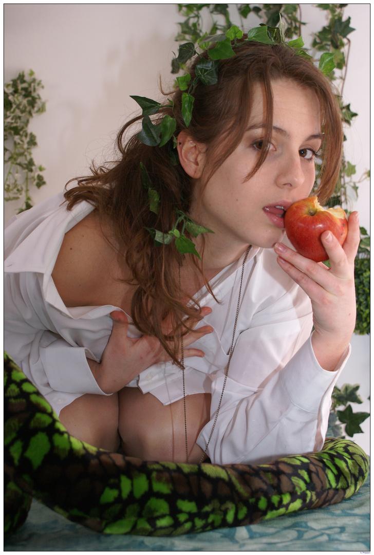 Eve et le fruit défendu (2)