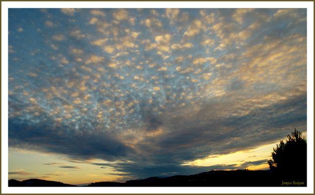 Eventail céleste - exercice photographique n°90 - les merveilleux nuages