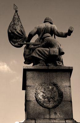 Ewiger Ruhm den Kämpfern der Roten Armee..