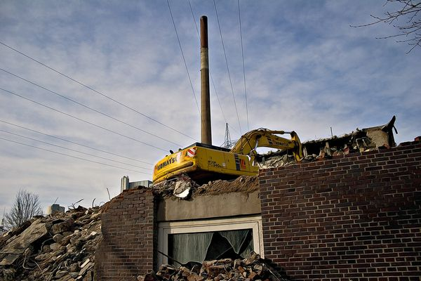 Excavator on my Roof
