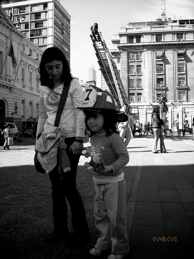 Exp. Bomberos, Plaza de Armas