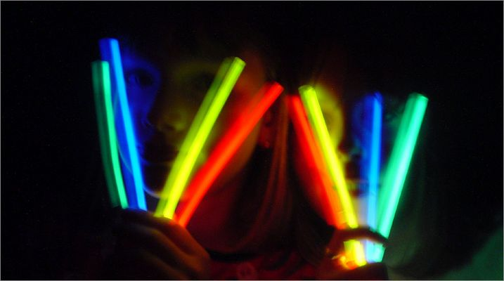 Experiment mit Leuchtstäben