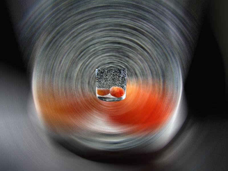Experiment mit Wasserglas und Carneolen