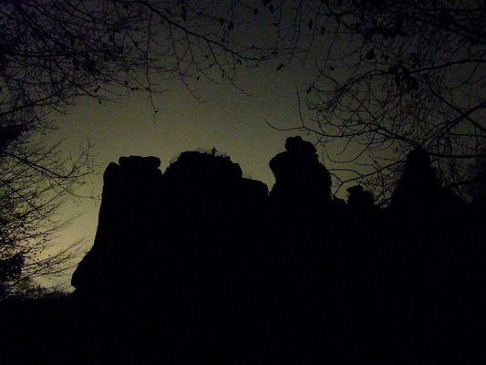 Externsteine bei Nacht an der Wintersonnewende