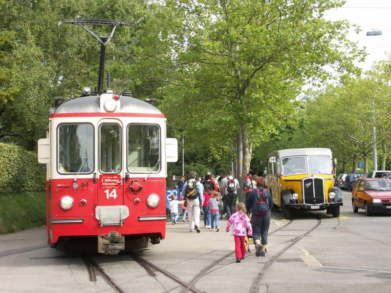 Extra-Fahrt der Forchbahn in Zürich