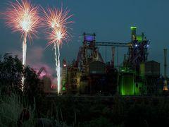 Extraschicht 2012: Feuerwerk im Landschaftspark Duisburg (1)