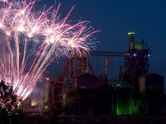 Extraschicht 2012: Feuerwerk im Landschaftspark Duisburg (2)