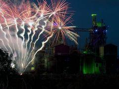 Extraschicht 2012: Feuerwerk im Landschaftspark Duisburg (4)