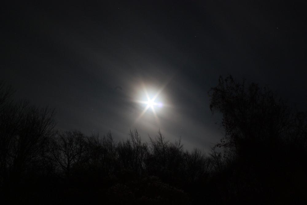 Extrem überbelichteter Mond