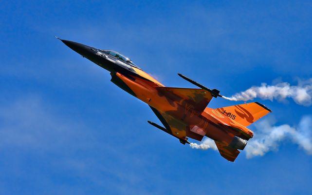 F-16 Airpower09