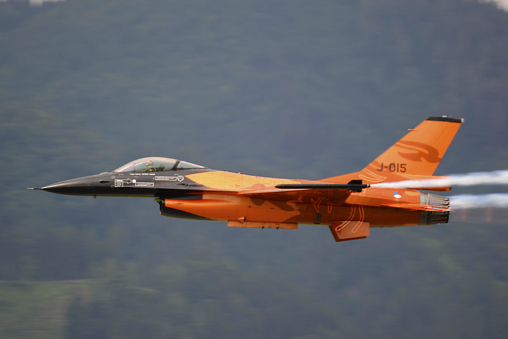 F-16 AM FIGHTING FALCON