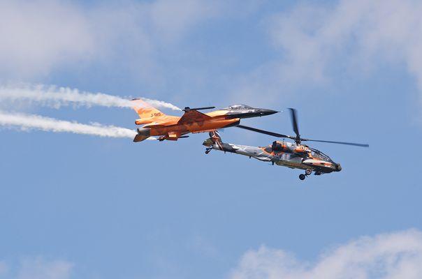 F-16 Demoteam + Apache-Demoteam