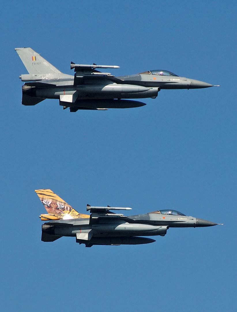 F-16 Duett