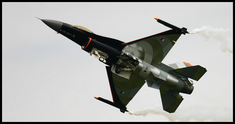 F-16 Flying Display