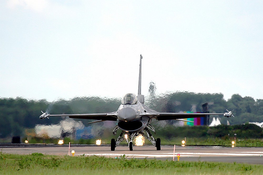 F-16 in Leuwaarden