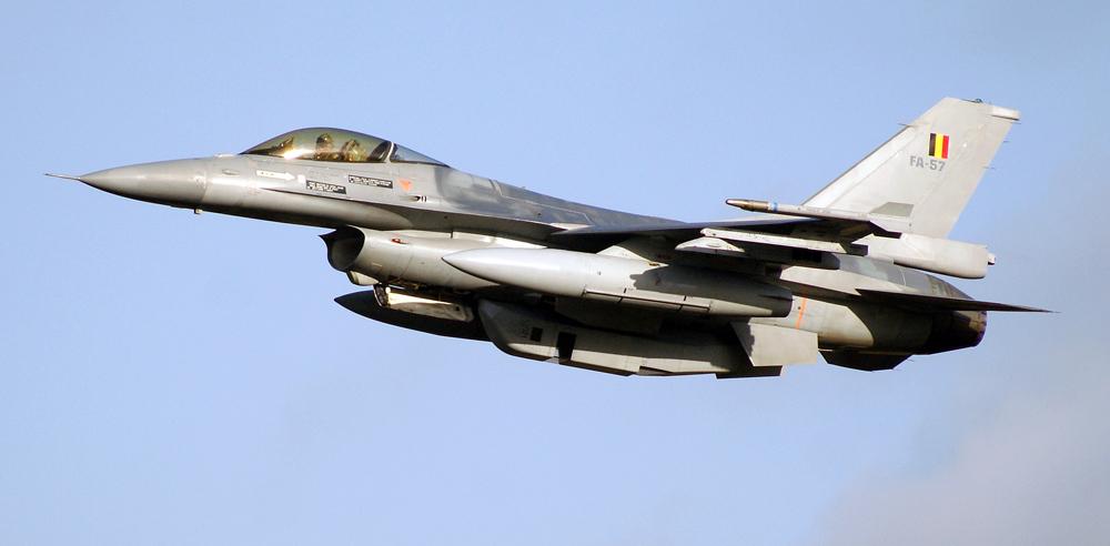 F 16 startet durch...