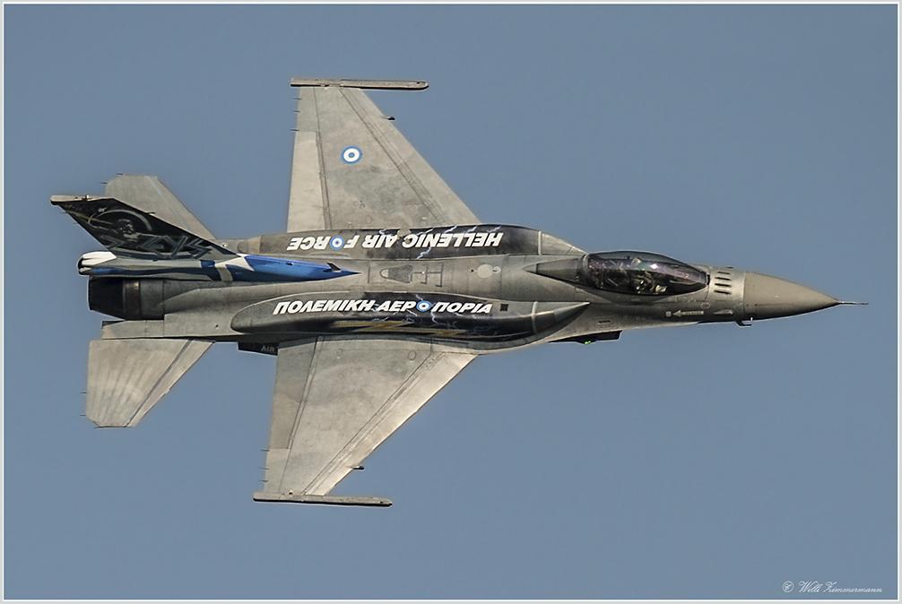 _F-16 ZEUS DEMO TEAM Greece- Hellenic - Air Force -2-