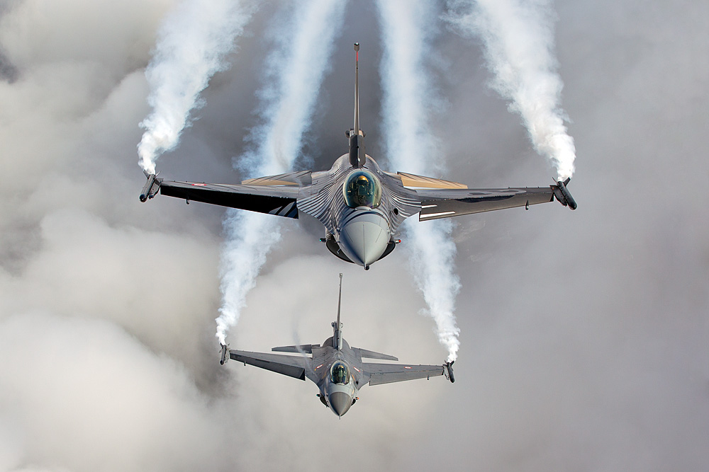 F-16C - Turkish Air Force Solo Display Team - Two Ship Formation