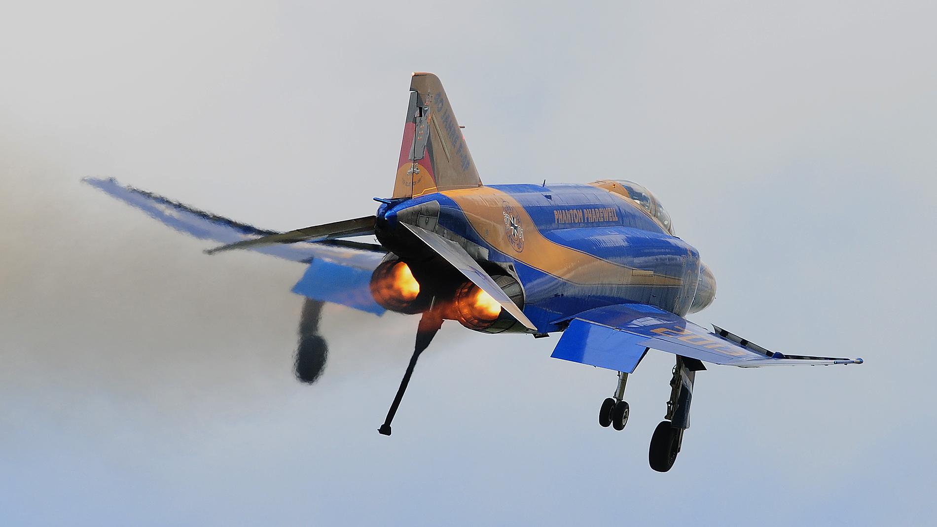 F-4F Phantom Fly Out 37+01