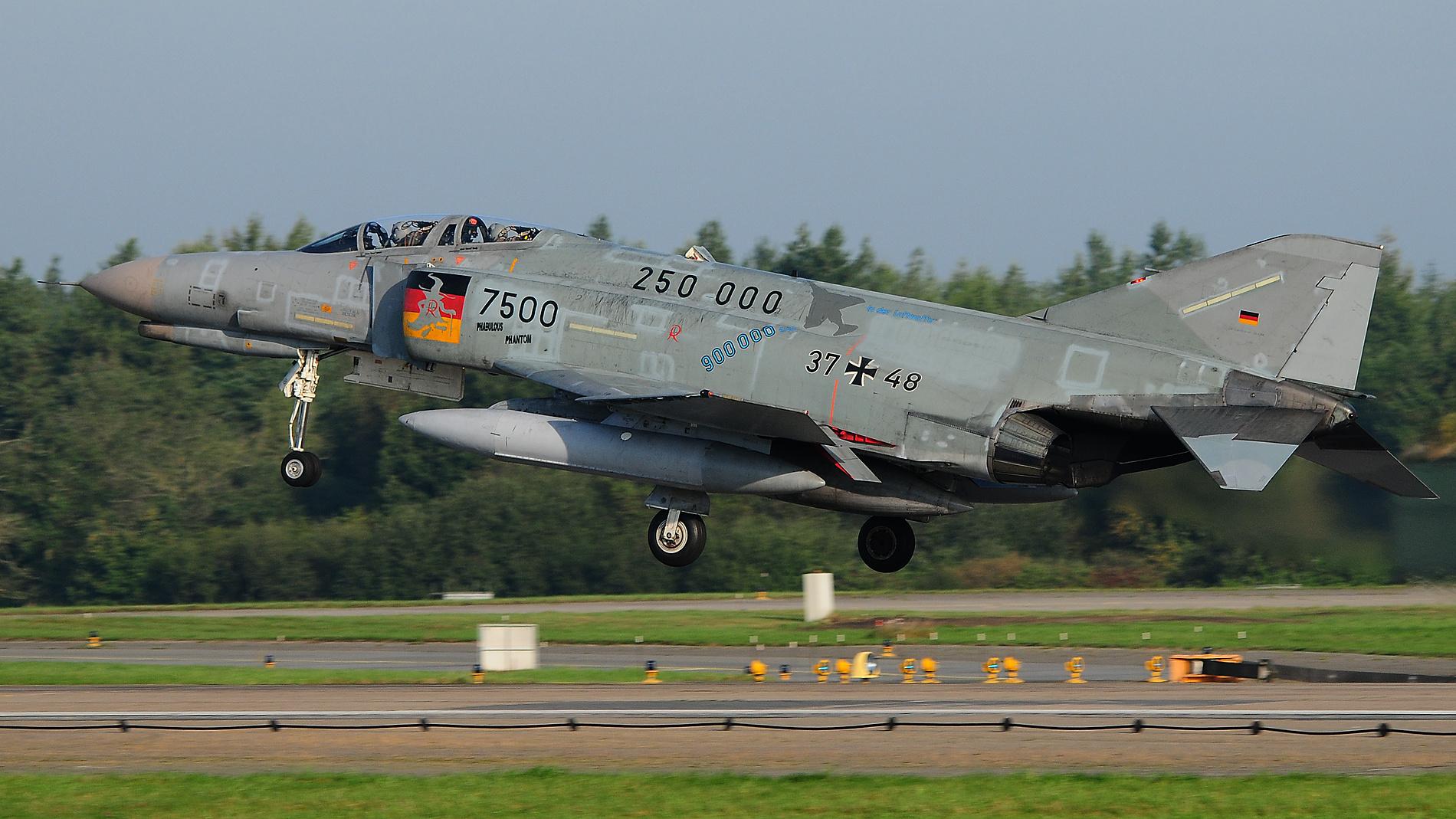 F-4F Phantom II 37+48