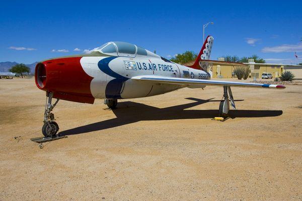 "F-84F in ""Thunderbird"" Kleidung"