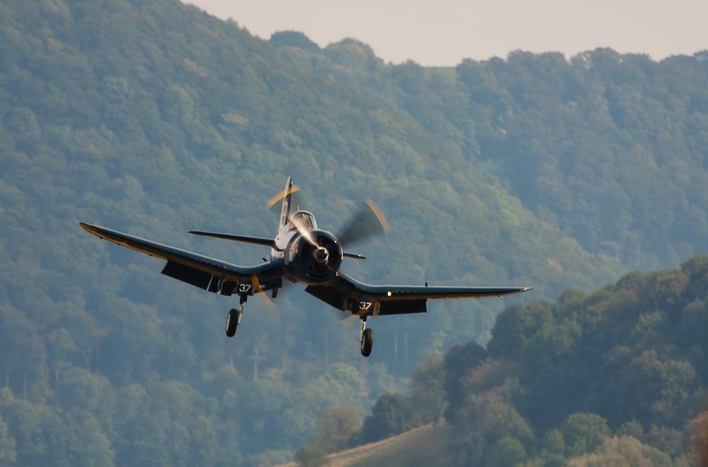 F4U Corsair im Endanflug