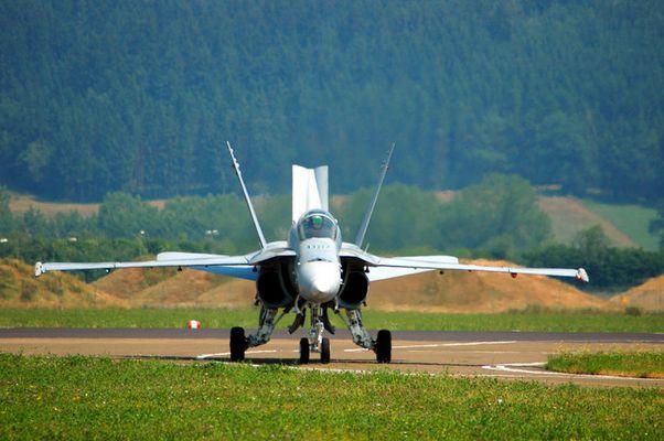 """F/A-18 C """"Hornet"""" - J-5011"""
