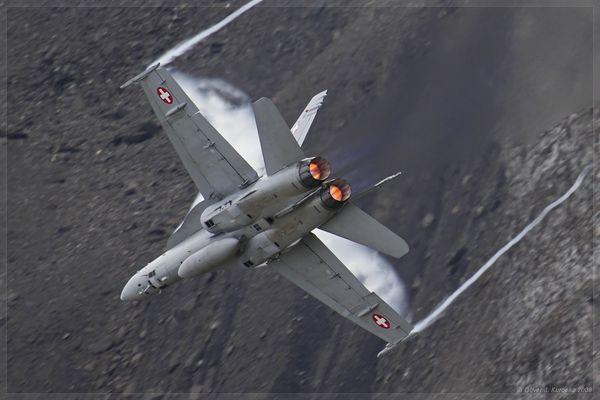 F/A18 Hornet #2 @ Axalp 2009