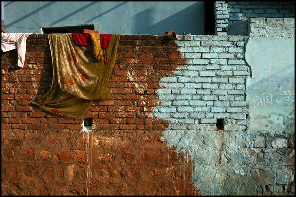 Façade dans le village d'Orccha - Inde.